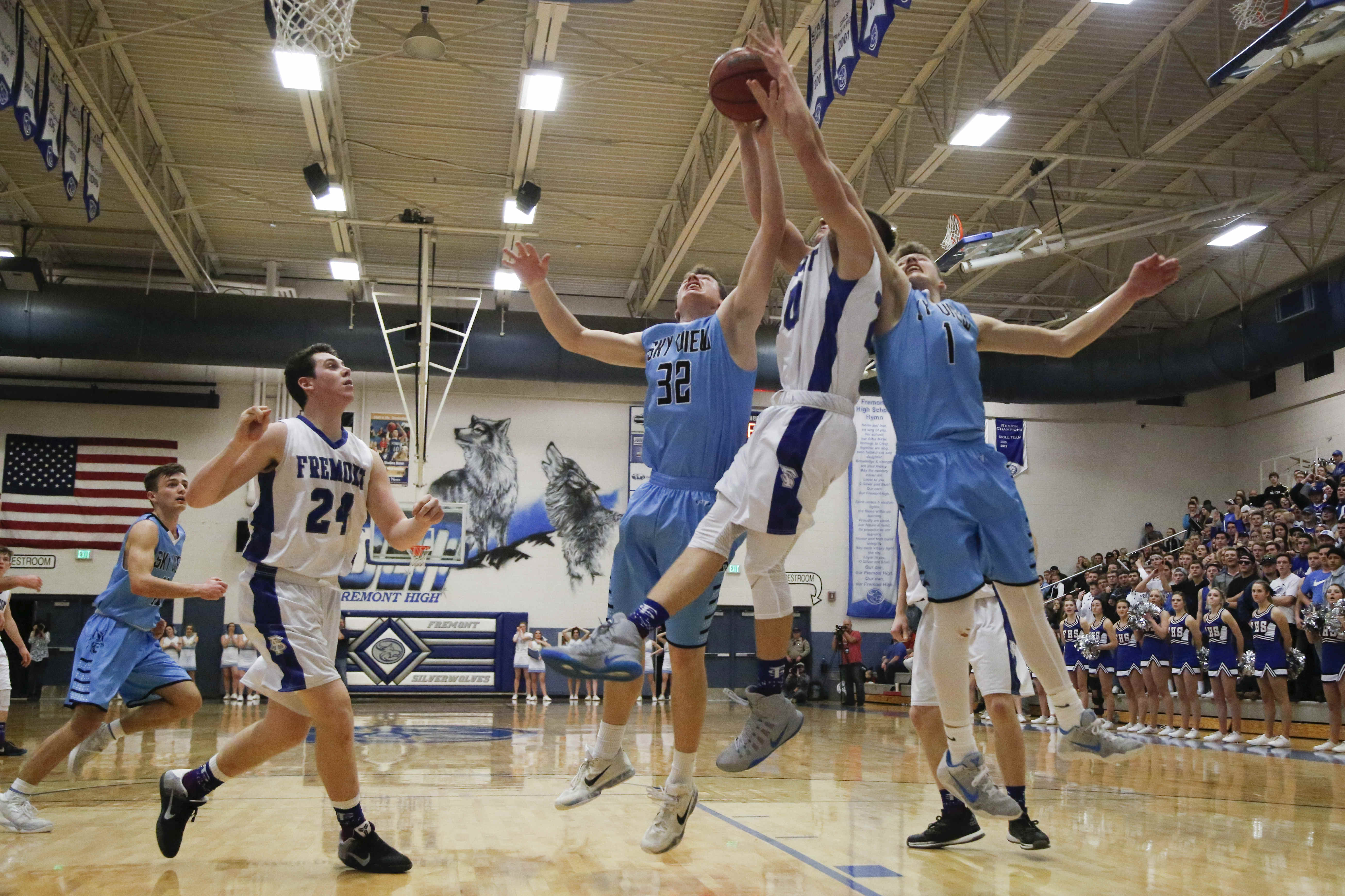 Sky View battles Fremont for the Region 1 title on Tuesday, Feb. 21, 2017, at Fremont High School. Sky View went on to defeat Fremont, 72-64.